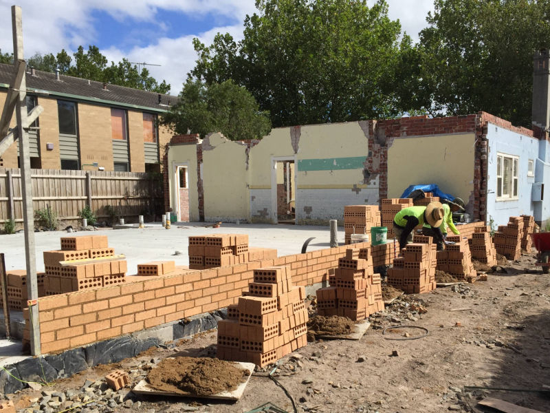 Melbourne home extension - Bricklayer and Carpenter